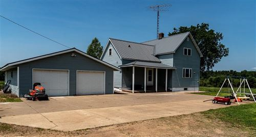 Photo of 1946 BEULAH AVE, EAST TROY, WI 53120 (MLS # 1555864)