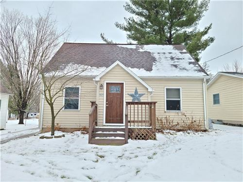 Photo of 1651 S COACHLIGHT DR #D, NEW BERLIN, WI 53151 (MLS # 1549902)