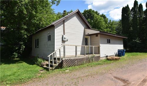 Photo of 513 FOXTAIL DR, HARTFORD, WI 53027 (MLS # 1555902)