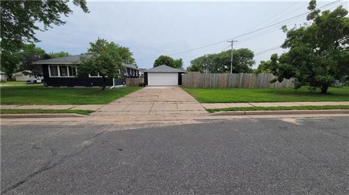 Photo of 223 14TH AVE, SOUTH MILWAUKEE, WI 53172 (MLS # 1555908)