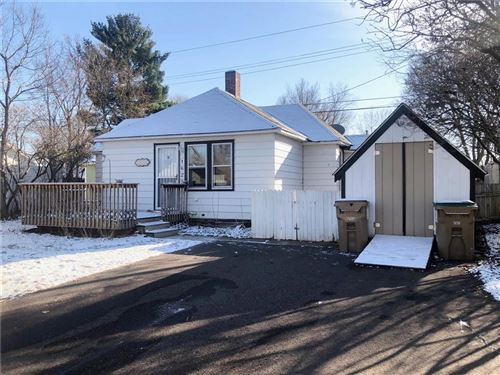 Photo of 1212 Sand ST, WATERTOWN, WI 53098 (MLS # 1548918)