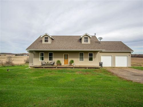 Photo of 709 HEATHER CT, GRAFTON, WI 53024 (MLS # 1556957)