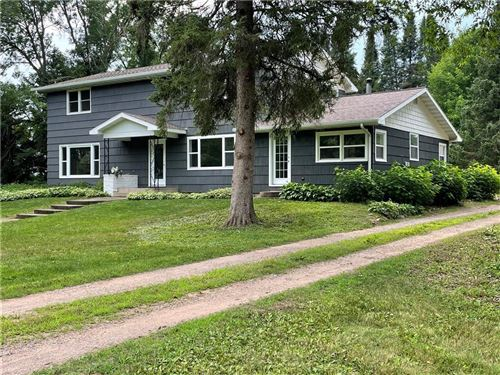 Photo of 6642 WILDWOOD POINT RD, HARTLAND, WI 53029 (MLS # 1555970)