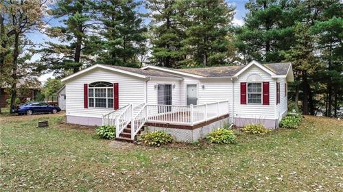 Photo of 11020 W Bonniwell Rd, MEQUON, WI 53092 (MLS # 1536975)
