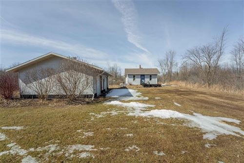 Photo of 5564 N IROQUOIS AVE, GLENDALE, WI 53217 (MLS # 1550986)