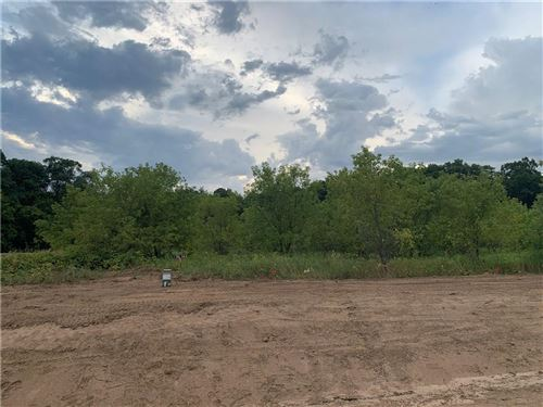 Photo of W192S6685 HILLENDALE DR, MUSKEGO, WI 53150 (MLS # 1545987)