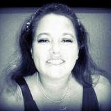 Michelle M Tucker