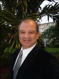 Carlos E Lozano