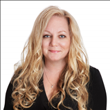 Melissa Petalas, Licensed Real Estate Associate Broker