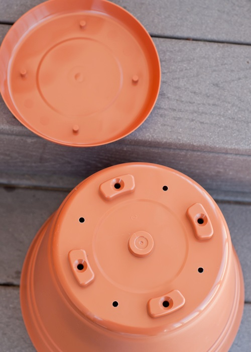 container-garden-drainage-holes-pot-1-of-1