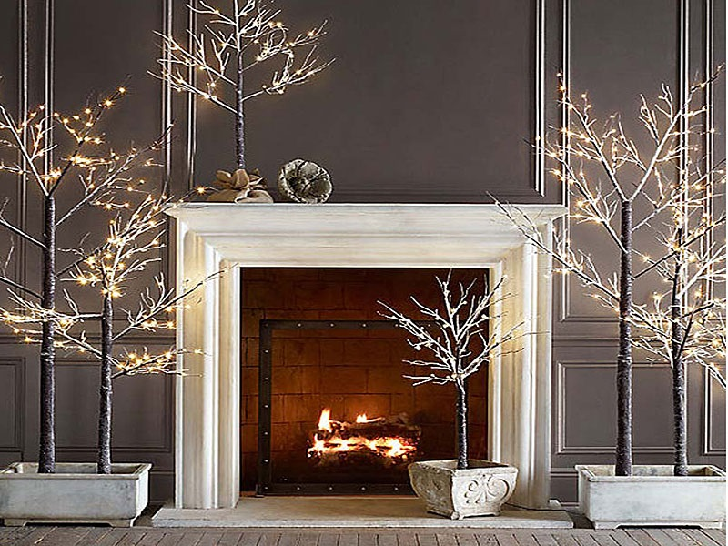 1White-Silver-Holiday-Decor-2012