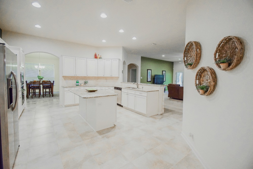 10653 Foxen Way, Helotes, TX 78023 kitchen 3