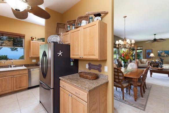 Kitchen to Liv
