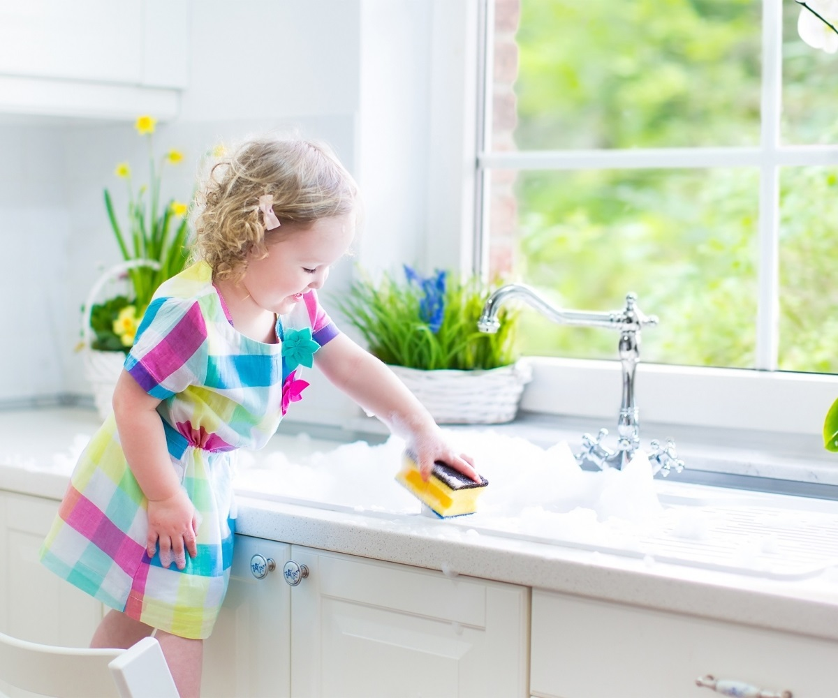 engaging-deep-cleaning-home-toddler-cleaning-kitchen-reasons-to-deep-clean-your-ago-home-this-summer_deep-cleaning-house_1200x1000