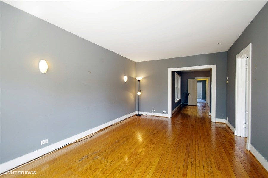 04-1730-foster-unit1w-living-room