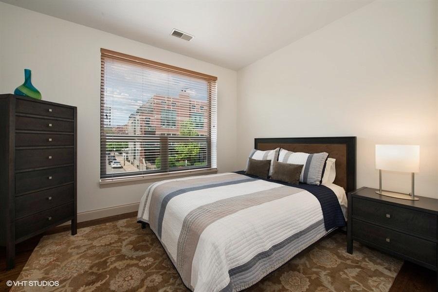 10-859-erie-unit301-bedroom