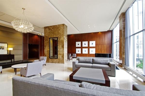 655-irving-park-lobby01