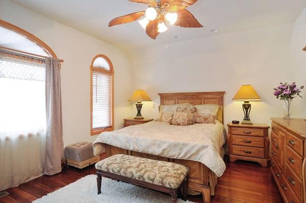 07-5009-meade-master-bedroom