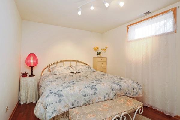 15-5009-meade-good-bedroom