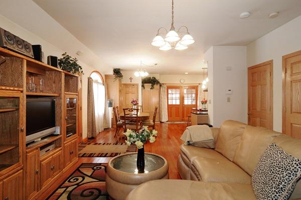 02-5009-meade-living-room-dining-room