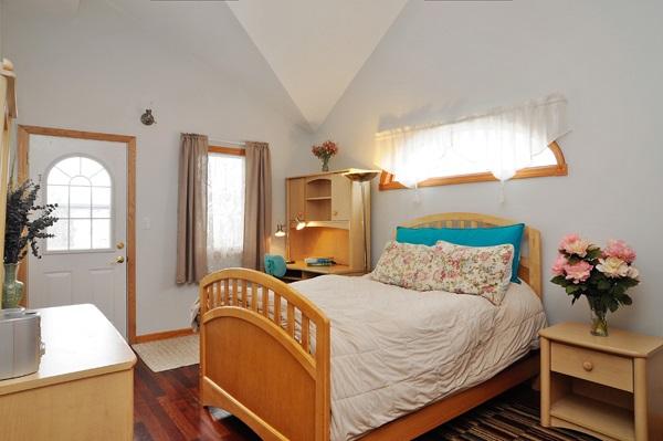 12-5009-meade-5th-bedroom