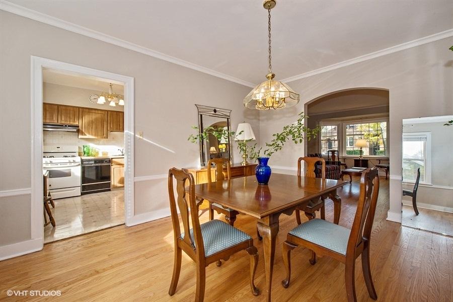 07-5936-washtenaw-dining-room