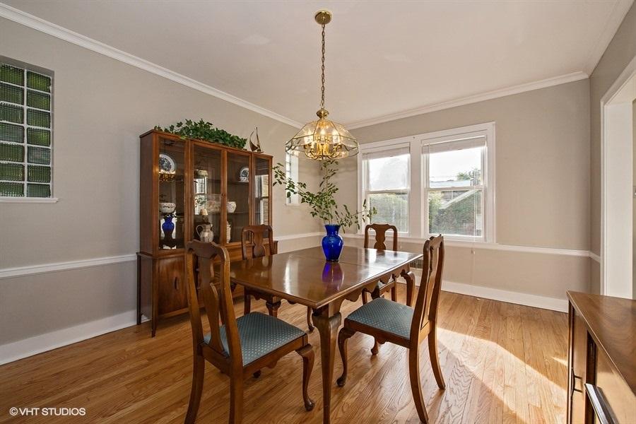 06-5936-washtenaw-dining-room