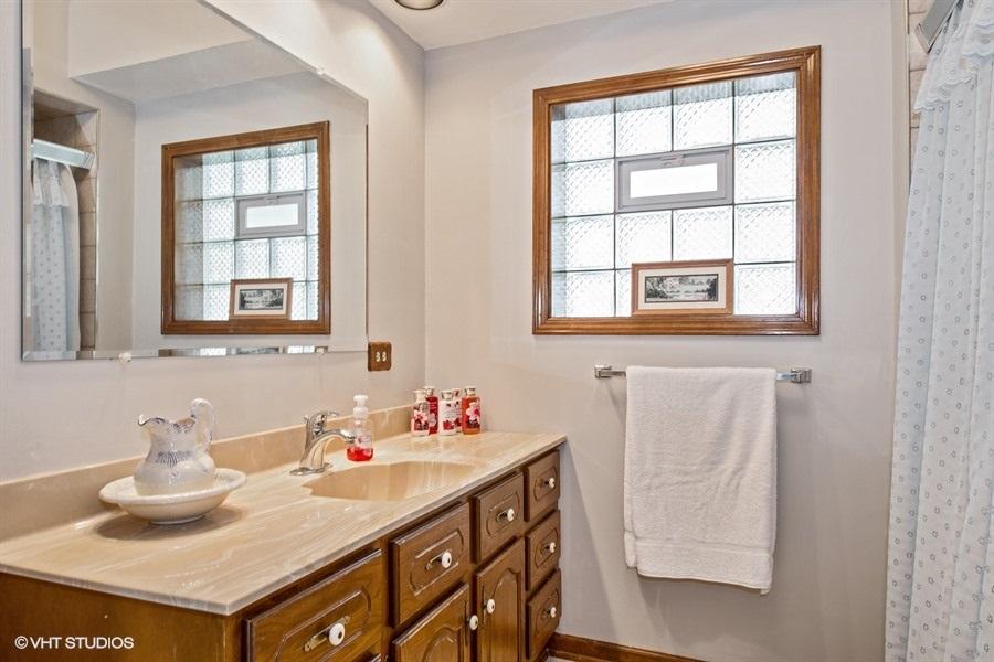 14-5936-washtenaw-bathroom