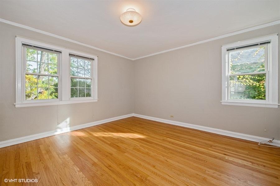 11-5936-washtenaw-master-bedroom