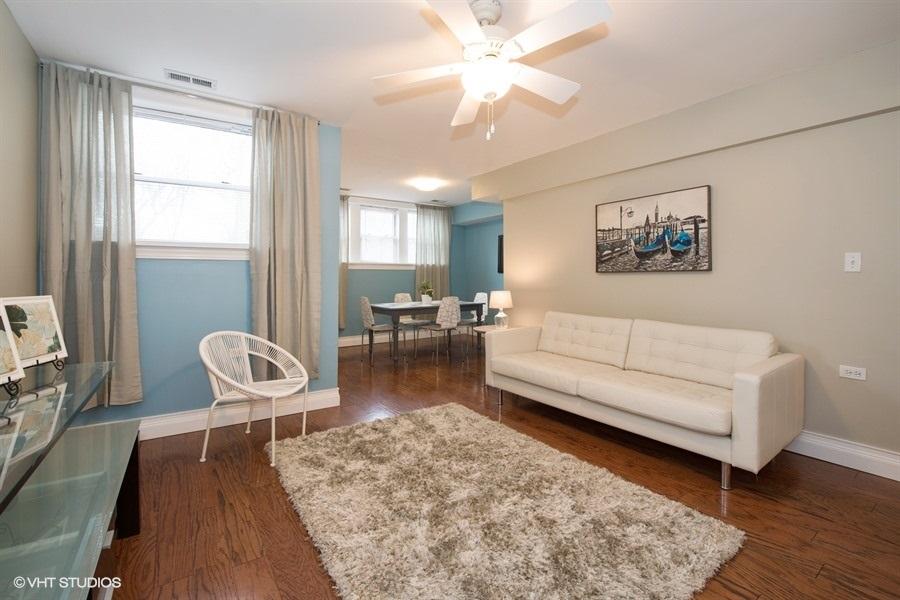 02-3103-wilson-unit-g-living-room