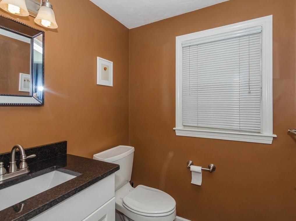 11-wight-bathroom