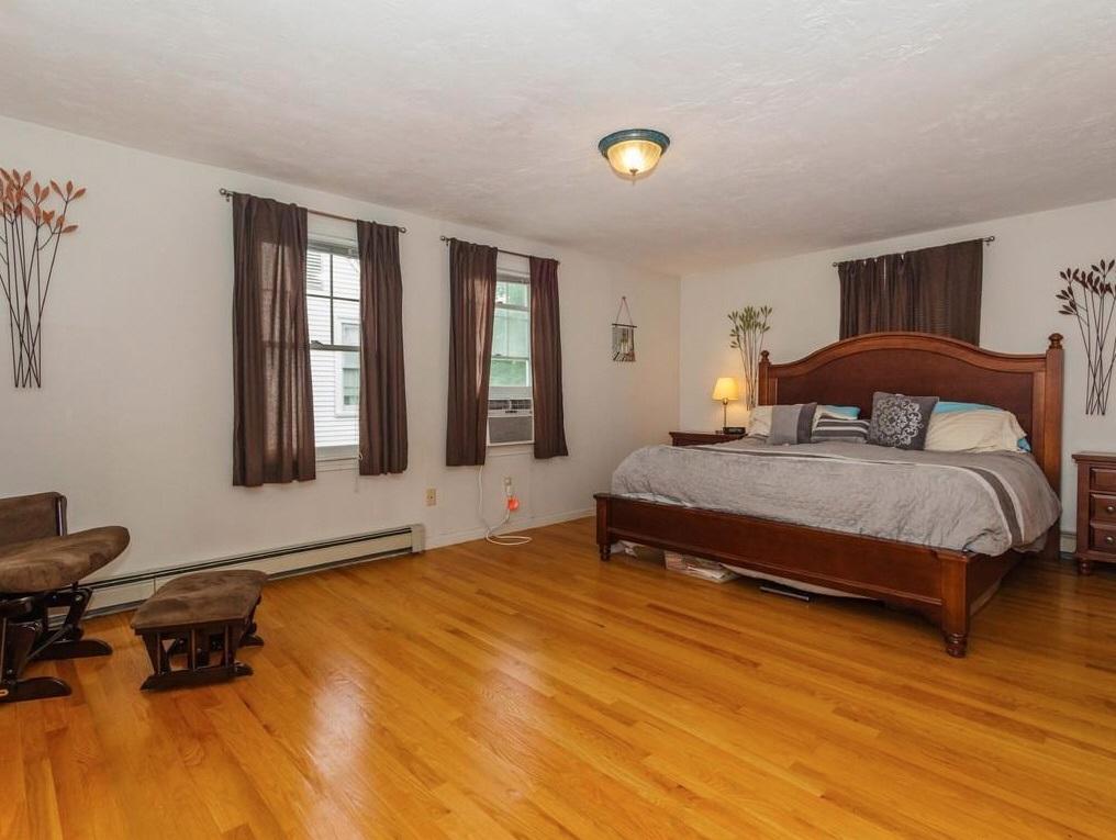 11-wight-bedroom