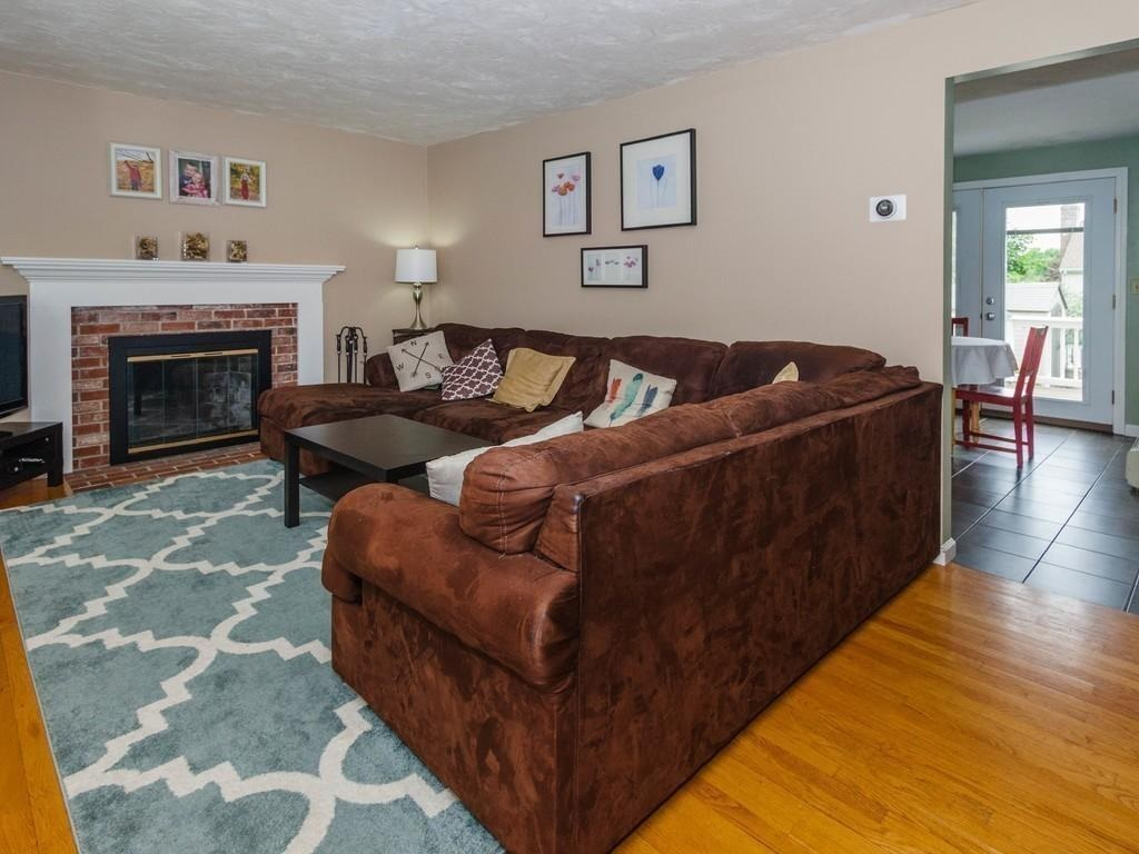 11-wight-st-livingroom