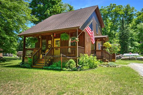 Photo of 31 Deerwood Drive, Inlet, NY 13360 (MLS # 173700)