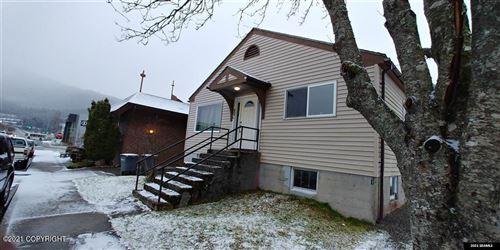 Photo of 706 W 10th Street, Juneau, AK 99801 (MLS # 21-5268)