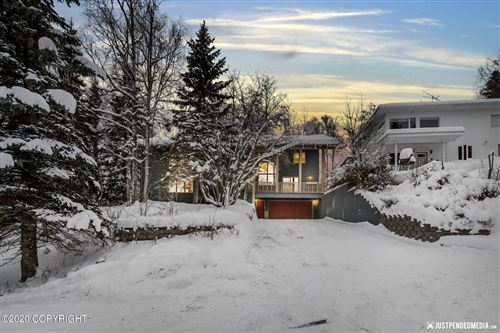Photo of 3946 Geneva Place, Anchorage, AK 99508 (MLS # 20-18316)