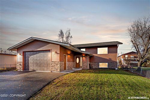 Photo of 922 Kathy Place, Anchorage, AK 99504 (MLS # 21-16342)
