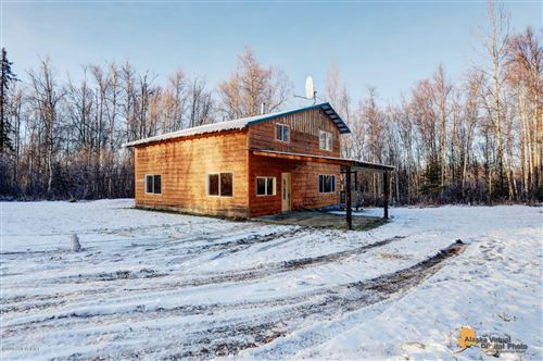 Photo of 5731 Petit Circle, Wasilla, AK 99654 (MLS # 20-16601)