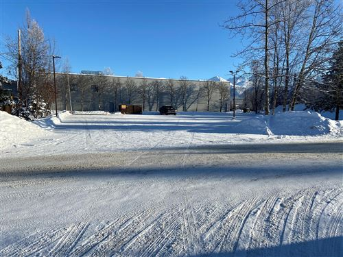 Photo of L1 B9 E Debarr Road, Anchorage, AK 99504 (MLS # 21-4713)