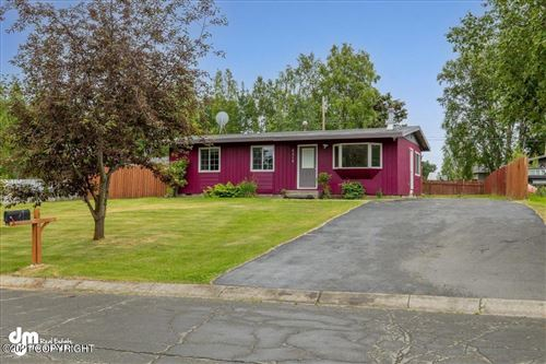 Photo of 6515 Mulberry Drive, Anchorage, AK 99502 (MLS # 21-10780)
