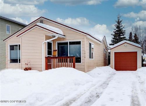 Photo of 1418 I Street, Anchorage, AK 99501 (MLS # 21-829)