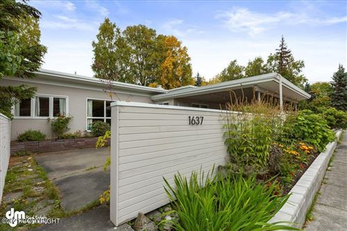 Photo of 1637 W 12th Avenue, Anchorage, AK 99501 (MLS # 21-14855)