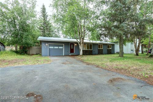 Photo of 8035 Loganberry Street, Anchorage, AK 99502 (MLS # 21-13863)