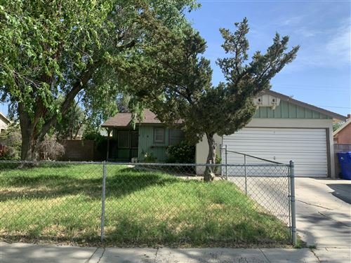 Photo of 816 W Avenue J8, Lancaster, CA 93534 (MLS # 20004024)