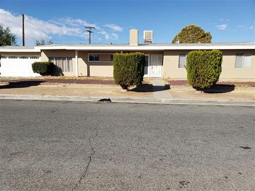 Photo of 1549 E Avenue Q11, Palmdale, CA 93550 (MLS # 19012028)