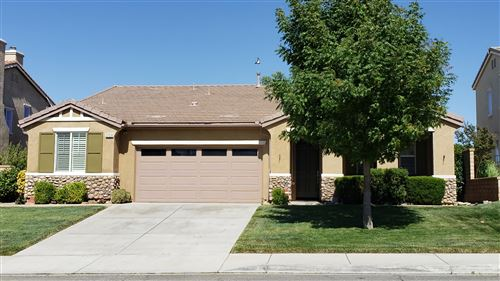 Photo of 37518 Plantain Lane, Palmdale, CA 93551 (MLS # 20005045)