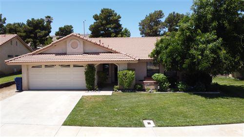 Photo of 40739 Via Nuevo, Palmdale, CA 93551 (MLS # 20005070)