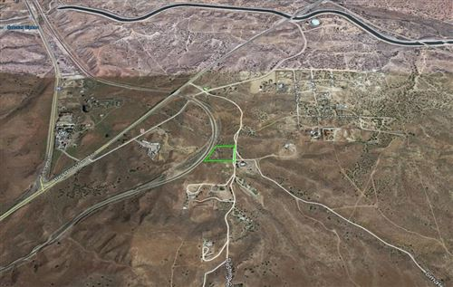 Photo of Small Rd And Pearblossom Hwy Highway, Palmdale, CA 93550 (MLS # 21000077)