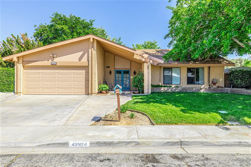 Photo of 42924 Chicory Avenue, Lancaster, CA 93534 (MLS # 20004094)