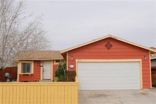 Photo of 2213 Rosewood Avenue, Lancaster, CA 93535 (MLS # 20004104)